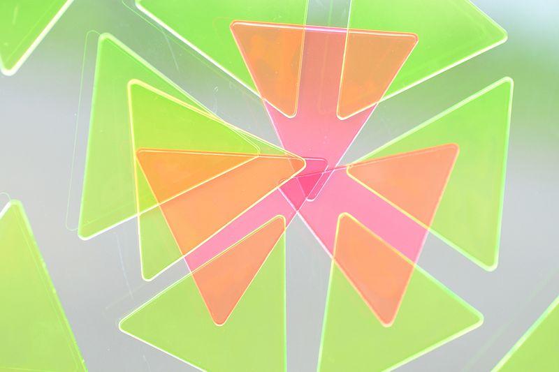 Sankakumado_geometric toys_playful window mosaic81-photographer-Nakano-Ougi
