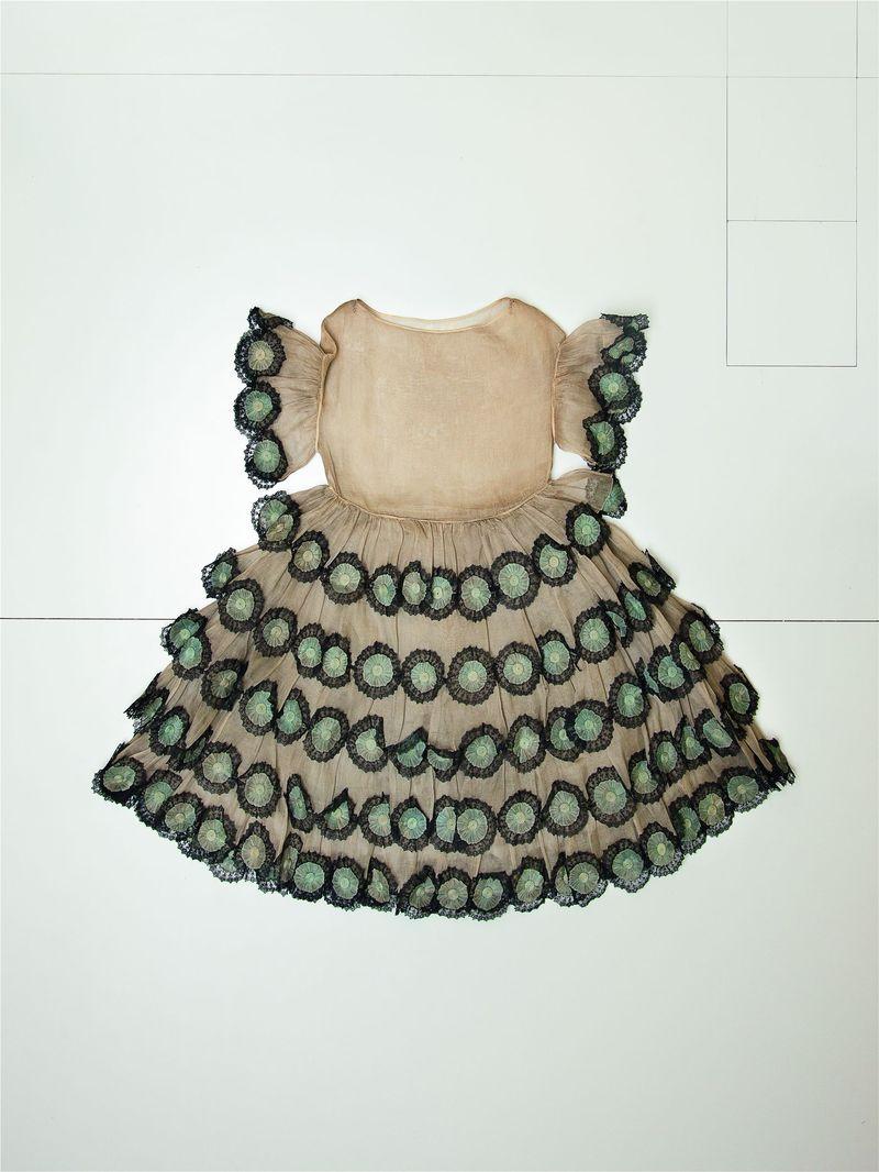 Les petites filles mod+¿les, 1925 -® Katerina Jebb (300)