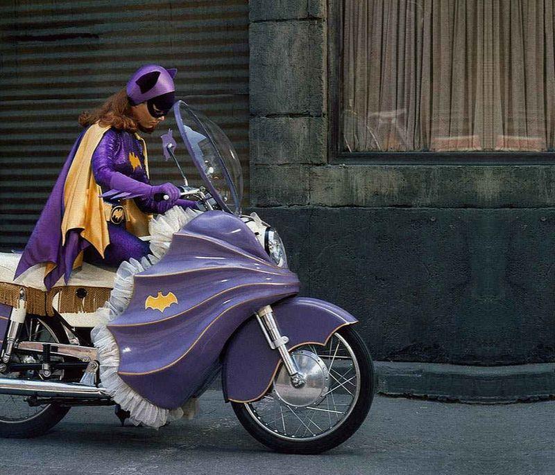 YvonneCraig_Batgirl_motorcycle