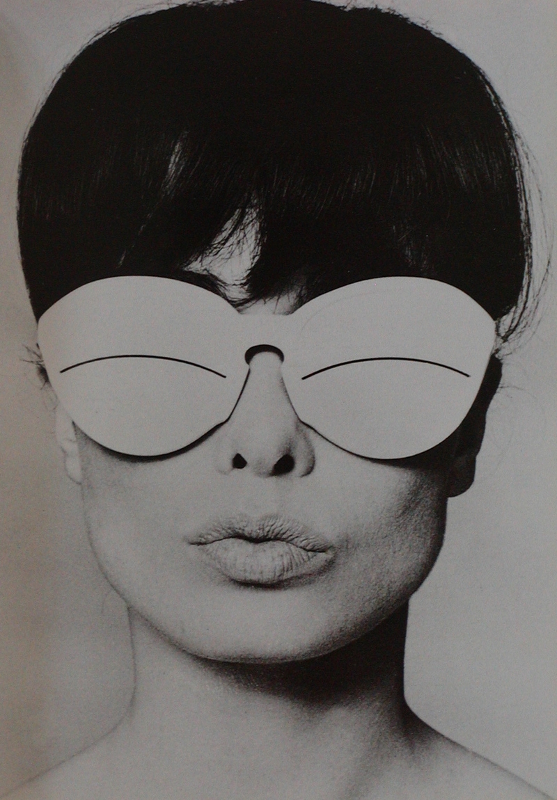 AndreCourreges_1965_glasses
