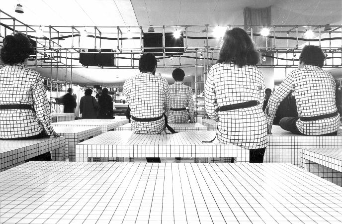 Superstudio_Quaderna_ZanottaGregoriniandCo_Paris1971_2