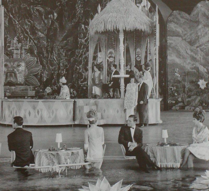 WaldorfAstoria_1964