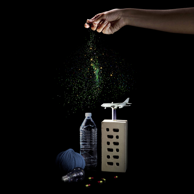 Angelamoore-reducedhand-sprinkle-objects-square-270416