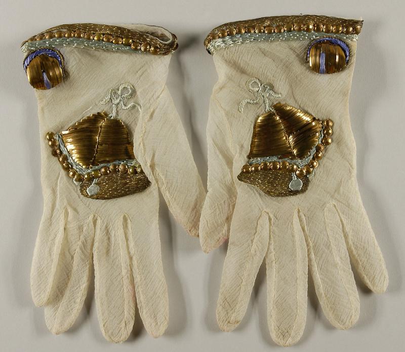 Schiap_gloves_1939_b