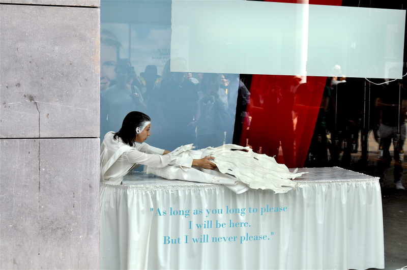Dialogue between fashion and death - Nina Willens_1